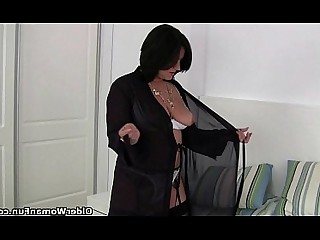 Cougar HD Mature MILF Panties Stocking