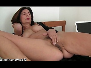 Cougar Granny Hairy HD Mammy Mature Natural Pussy
